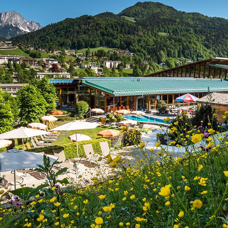 Außenaufnahme der Watzmann Therme Berchtesgaden.