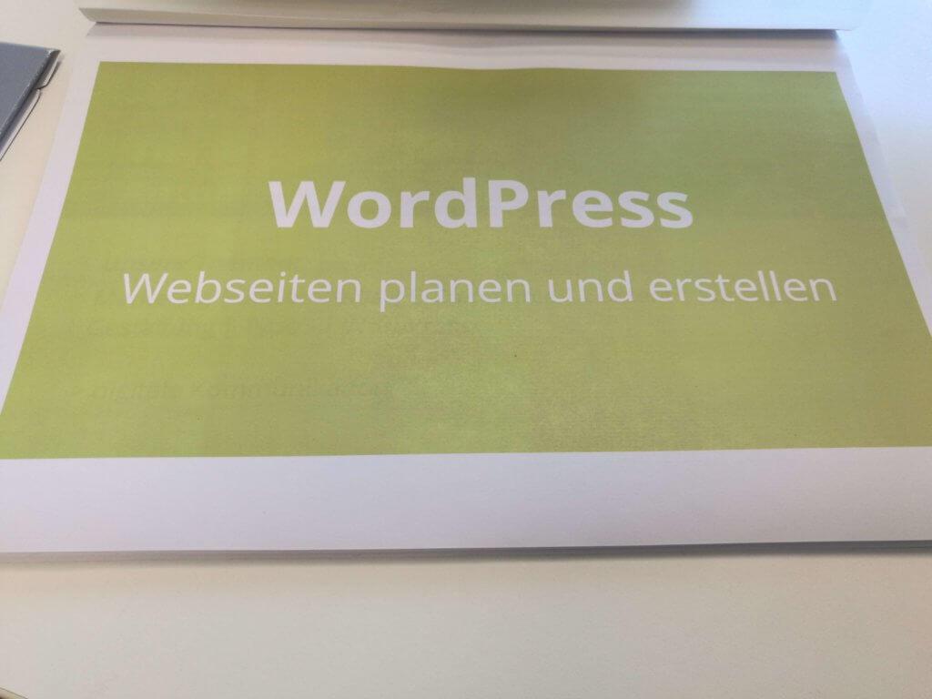Bei einem WordPress Seminar lernt man Seiten zu planen und zu erstellen